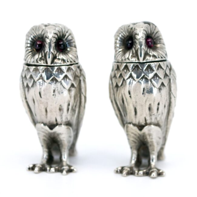 Silver Salt and pepper shakers 2851LS Image2