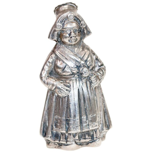 Silver Salt and pepper shakers 1485EES Image1